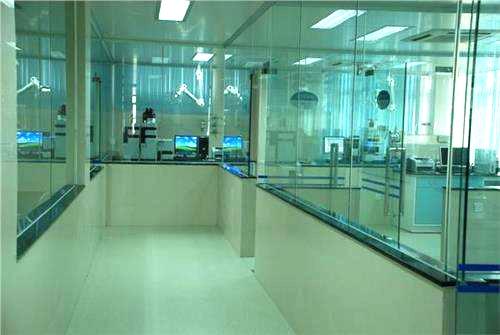 实验室隔断装修