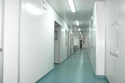PVC地板+彩钢板隔断+彩钢板吊顶